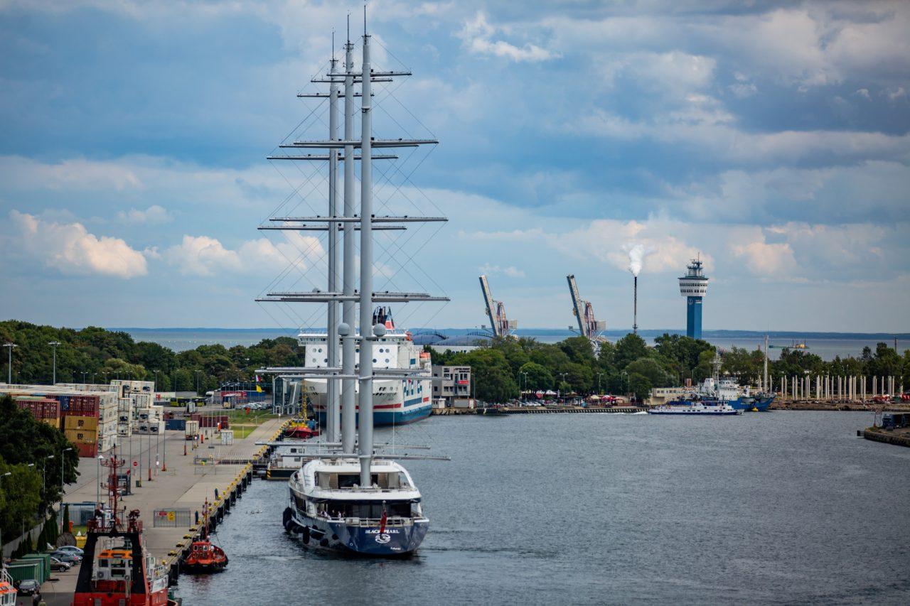 Największy na świecie prywatny jacht żaglowy w Gdańsku