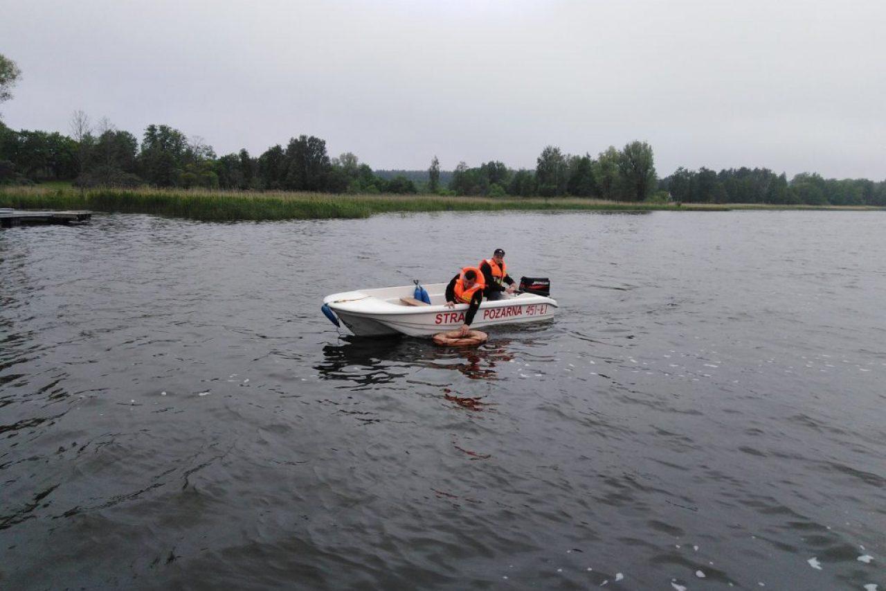 Ćwiczenia z łodzią na Jeziorze Gołdap