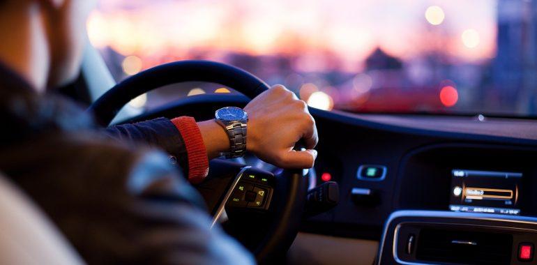 Rewolucja dla kierowców. Jazda bez prawa jazdy?