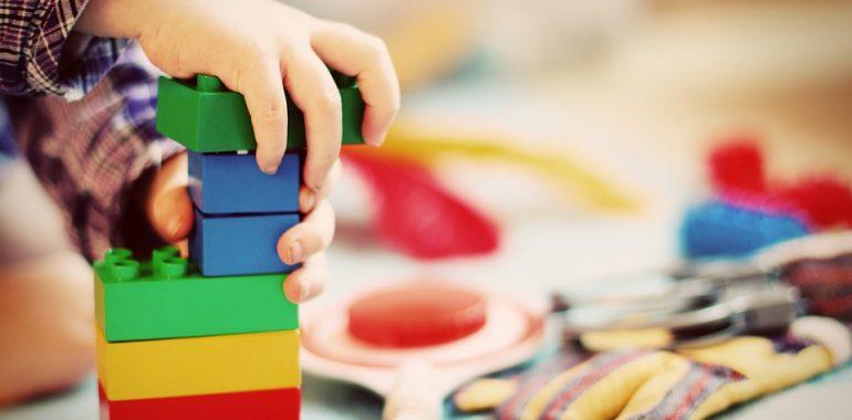 Niebezpieczne zabawki z Chin. 2214 sztuk niebezpiecznych dla dzieci zabawek nie trafi do sprzedaży.