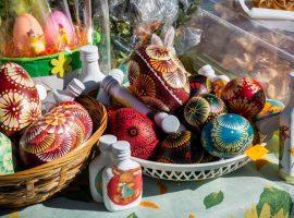 """Domu Kultury w Gołdapi zaprasza na kiermasz """"Jajeczko z rzeżuszką"""""""