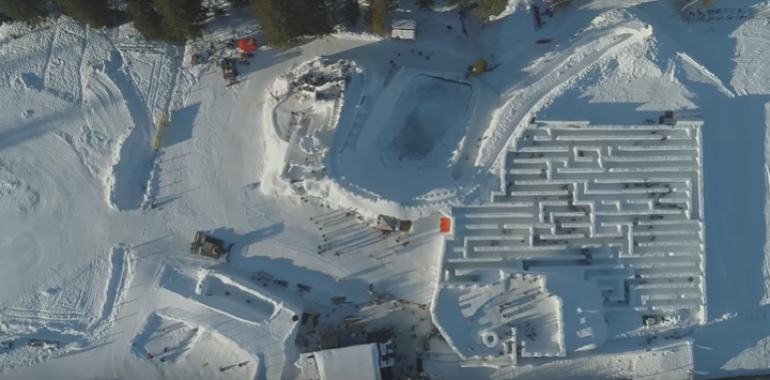 Największy na świecie śnieżny labirynt już otwarty!