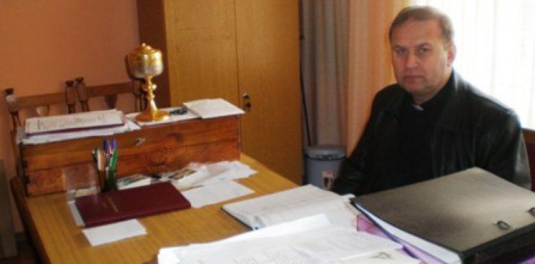 Zasłużony ksiądz przechodzi na emeryturę – następcą zostanie Ks. Czesław Król
