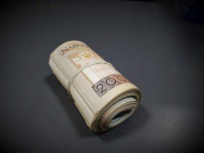 Pieniądze, kasa, 200 złotych,